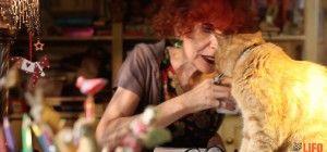 H Ζυράννα Ζατέλη και οι γάτες της