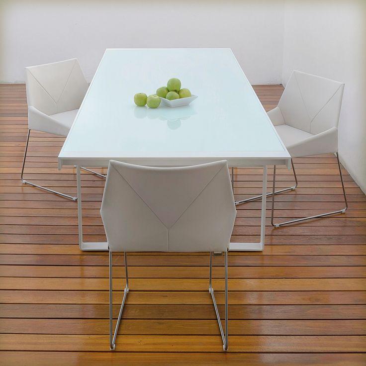 Mesa y silla kaleido de ciciliani collections for Mesa exterior diseno