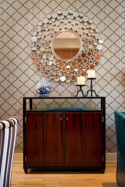 This elegantly patterned wall covering looks amazing with the selected accessories