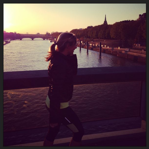 6am jogging on the Seine River