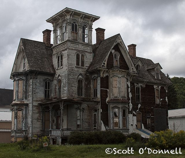 Abandoned old mansion in Coudersport, PA.
