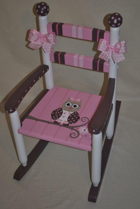 Childrens Custom main peint filles chouette rose et brun chaise berçante - cadeau de douche de bébé, meubles de pouponnières, peint chaise enfant, cadeau bébé