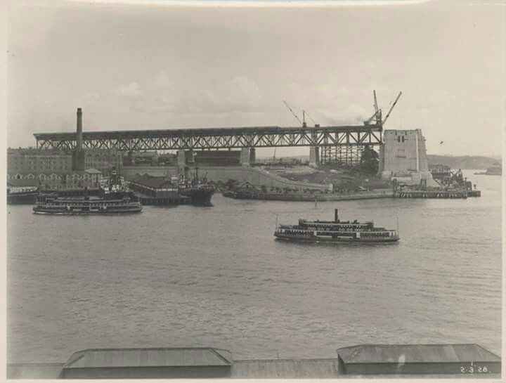 Sydney Harbour Bridge under construction in 1927.Photo from Powerhouse Museum.A♥W