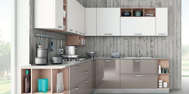 Zoe: cucina d'autore con anta in acrilico lucido e opaco. #CREO #kitchens #cucina #arredamento #home