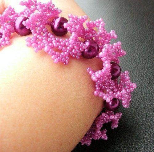 """""""Fialkový poklad"""" (Sewn beaded bracelet) od KatKyr"""