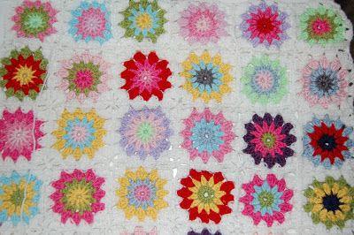 Lisebethslykkebo: Hekle pledd i fargerike farger, med oppskrift