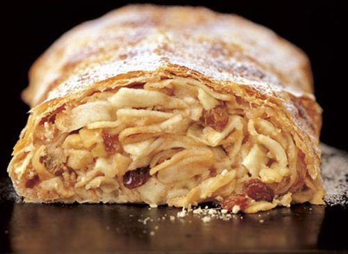 Apfelstrudel, torta, postre austriaco, postre aleman.