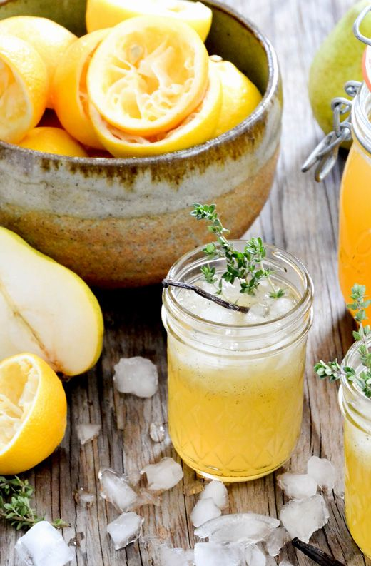 Vanilla-Pear Spiced Bourbon Lemonade Fizz | www.floatingkitchen.net