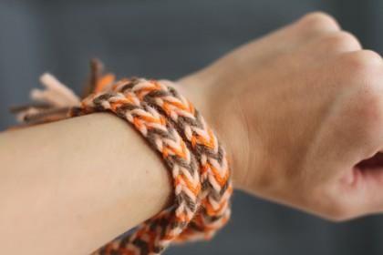DIY Woven Friendship Bracelet Tutorial - DIY Jewelry DIY Bracelet