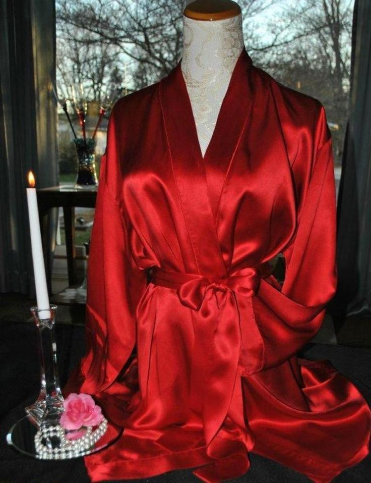 Blanche red satin robe