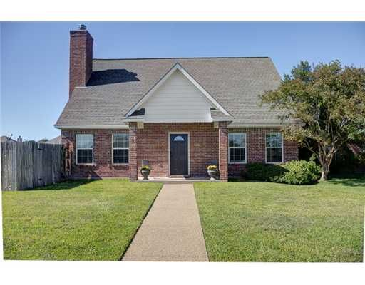 4220 Colchester Ct., College Station, TX This cul de sac home offers 3 beds and 2.5 baths. Master is located down stairs with a separate vanity bathroom offering a jetted tub and a separate stand up shower. Spacious kitchen opens up into living area with vaulted ceilings. Upstairs you will find 2 bedrooms with a double vanity bathroom. Nice sized backyard with covered patio creates the perfect space to enjoy those cookouts spectacular curb appeal with a side entry garage.