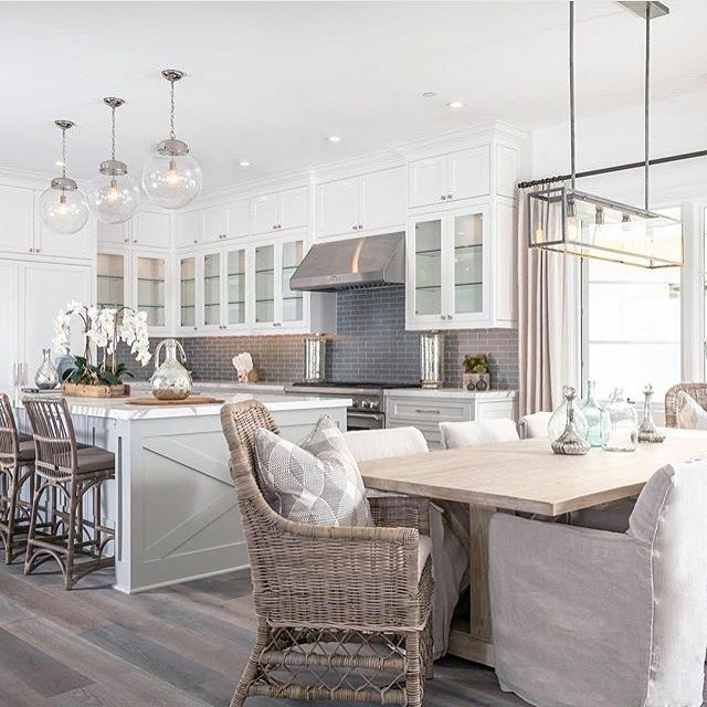 You've got to check out all of the amazing spaces by @blackbanddesign. Isn't this kitchen they did stunning?!? I had a hard time deciding which image to share. #followfriday