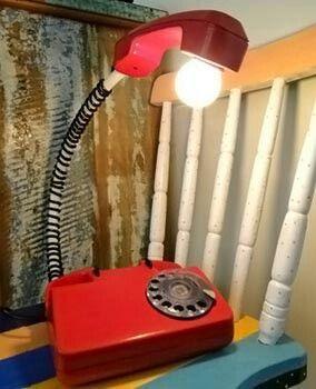 telefone antigo virou luminária