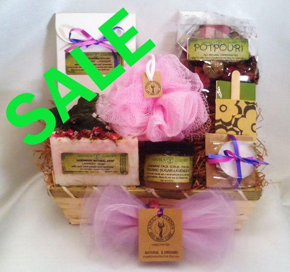 Natural Spa Gift Basket for Mom.Rose Lavender Gift Basket for her.Womens gift basket.Gift for Her Girlfriend gift Gift sets for women wife