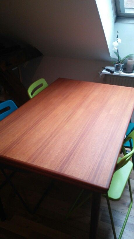 Ny renoveret teak spisebord :)