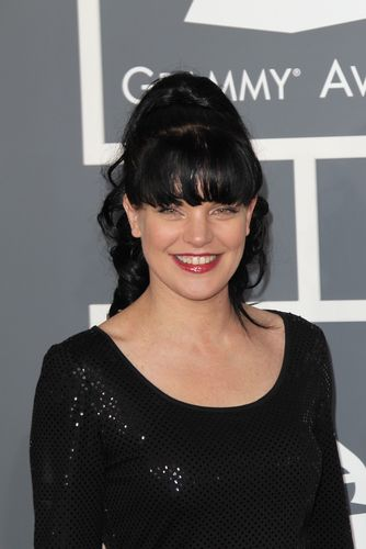 The Talk: Pauley Perrette Socks & Out of the Closet Grammy Dress: Closet Grammi, Perrette Socks