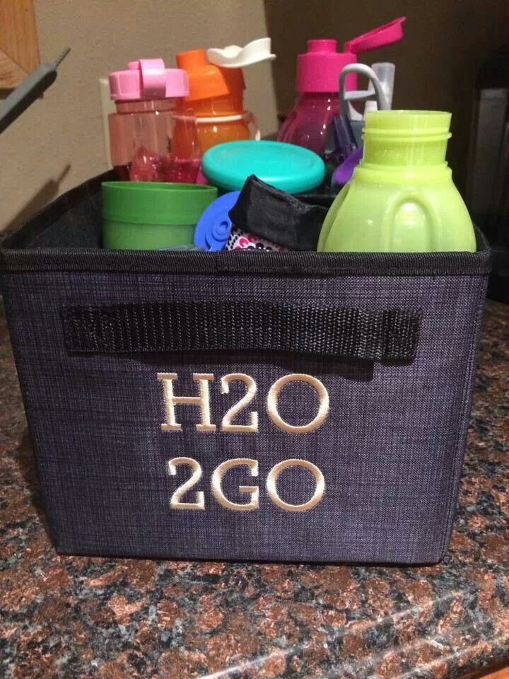 Do you have A LOT of water bottles cluttering up your cabinets? www.mythirtyone.com/crystalperry https://www.facebook.com/groups/686246991407743/