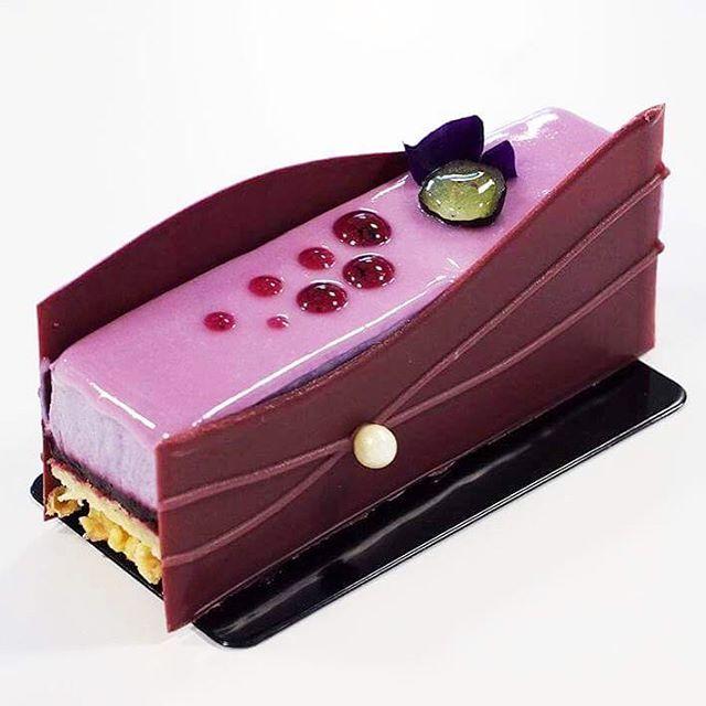 845 mentions J'aime, 11 commentaires – Anne Fashauer (@anne_fashauer) sur Instagram : «Le «Violine», à la Violette & au Cassis réalisé lors de la semaine dédiée aux petits gâteaux du…»