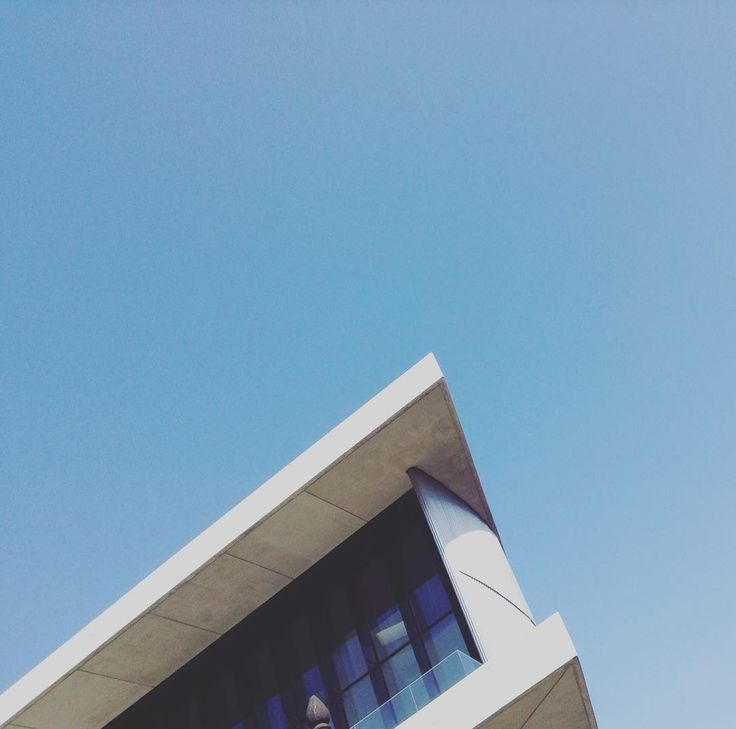 Break outdoors #athens #acropolis #architecturephotography #architecturelovers #architectureporn #architecture