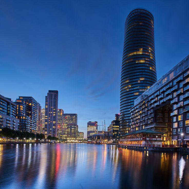 London's Docklands [OC] [1000x1000]