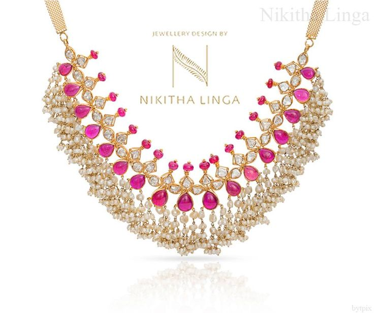 Style and glamour never take a day off.Shine every day with our diamonds from our Dancing Diamonds collection! FestivalCollection  Diwali  Gold  Diamond  Jewellery  NikithaLinga  30 October 2016
