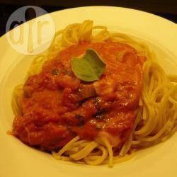 Foto recept: Tomaten pastasaus met basilicum en mozzarella