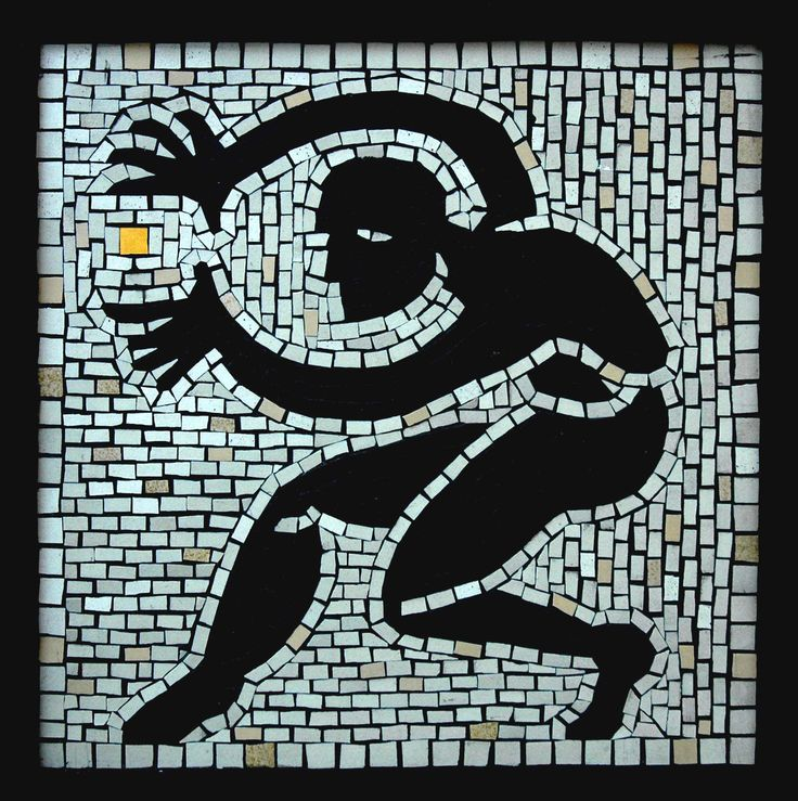'Outside the square' mosaic by Gary Drostle©