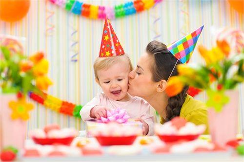 Подарки на первый день рождения малыша