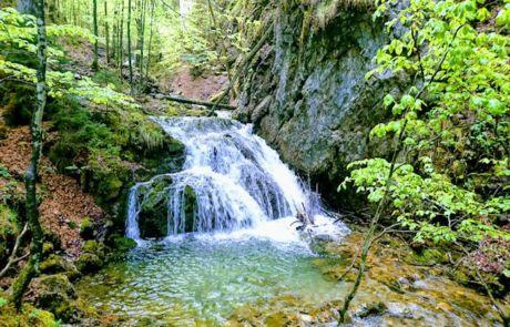 Die Josefstaler Wasserfälle. Ein wunderschöner Wanderausflug mit Kindern in der Nähe vom Schliersee.