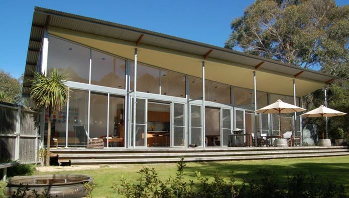Arthouse bay of fires is a beautifully appointed beach house accommodation  for 4, 50 steps from the secluded northern end of Binalong Bay on Tasmania's East Coast.