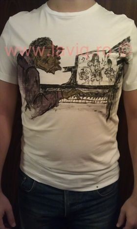Tricou pictat Piano