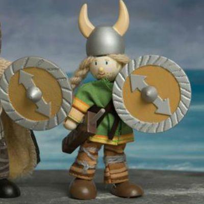 BUDKINS GUERRERO VIKINGO Muñeco Budkins de madera que es un guerrero vikingo para el barco tan estupendo que tenemos. Medidas aproximadas: 10 cm PVP: 9,75 € #muñecovikingo #vikingo http://www.babycaprichos.com/budkins-guerrero-vikingo.html