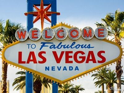I've been to LV a handful of times but this list of 10 must-sees makes me want to go back soon!