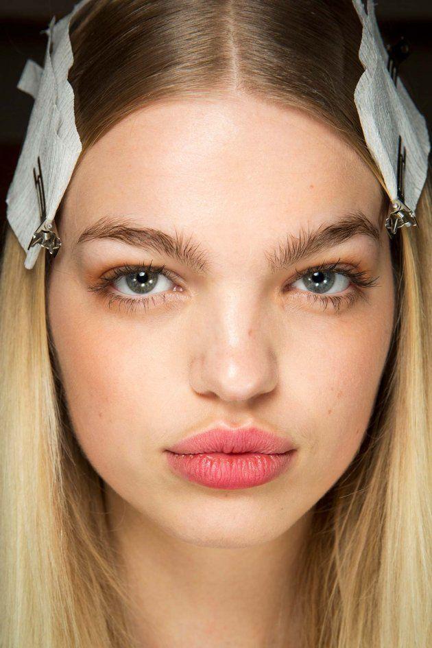 Co oznacza trądzik w różnych strefach twarzy?