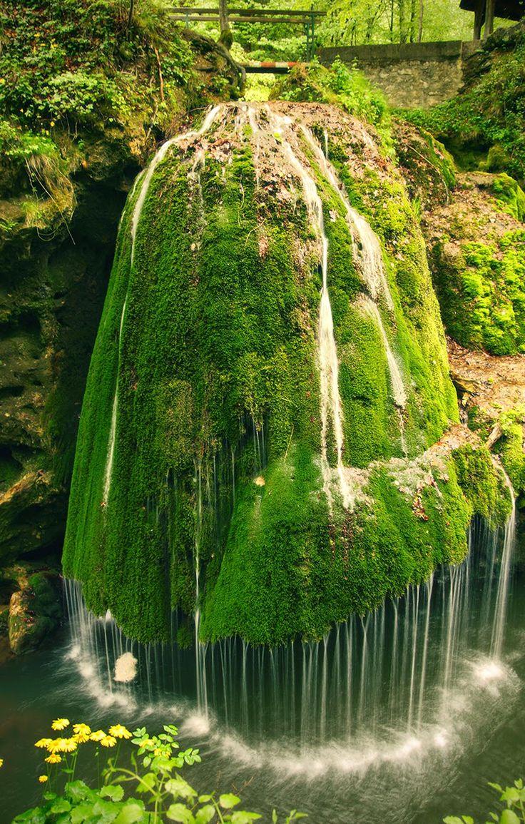 Descubre Tu Mundo : Una espectacular cascada de agua diferente «Bigar Cascade Falls» Rumania