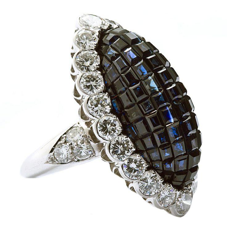 VAN CLEEF & ARPELS Mystery Sapphire & Diamond ring,