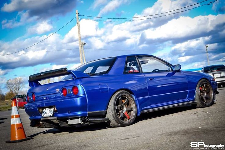 Nissan Skyline GTR R32 fitted with volk TE37match made in car