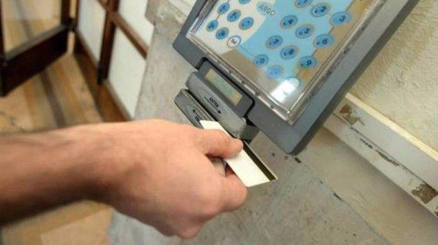 """Tempi duri per i """"furbetti del cartellino"""" adesso licenziabili"""