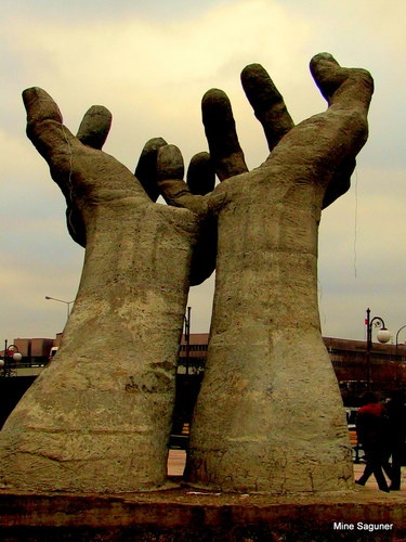 """Art and Sculpture of hands (January Contest)This is the famous """"Hands"""" statue in Abdi Ipekci Park by sculpter Metin Yurdanur."""