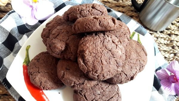 Bezlepkové čokoládové sušenky.