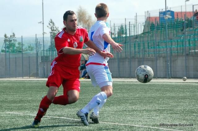 Piłkarze Sokoła Nisko rozgromili Siarkę Tarnobrzeg w sparingu. Niżanie wygrali 5-0, ale w barwach Siarki zagrali gracze drugiej drużyny.