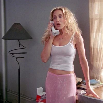 8 Of Carrie Bradshaw's Work-From-Home Outfits That I Can't Wait To Recreate