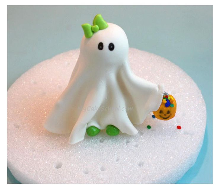 Cute Halloween Cakes | Put this cute little ghost on top of one of your desserts (cakes ...