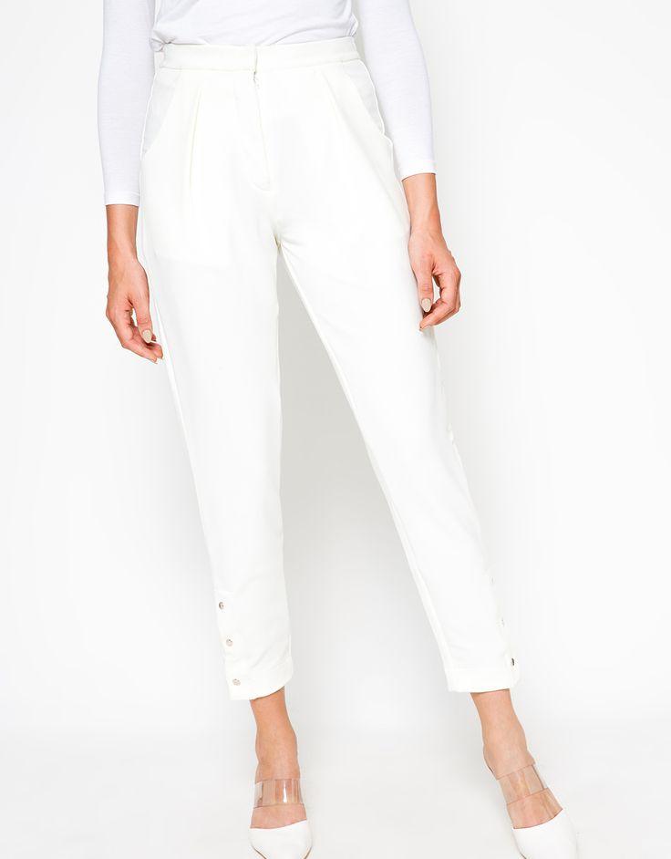 Beli online Look@Me By Restu Anggraini Celo Pants - Putih belanja harga murah Celana Panjang di MatahariMall.com free onkir! pembayaran dengan kartu kredit, bank transfer& bisa COD.