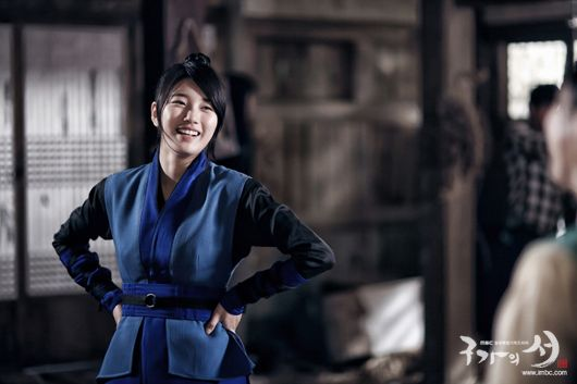 Cuteness behind the scenes of Gu Family Book » Dramabeans » Deconstructing korean dramas and kpop culture ♥ Suzy