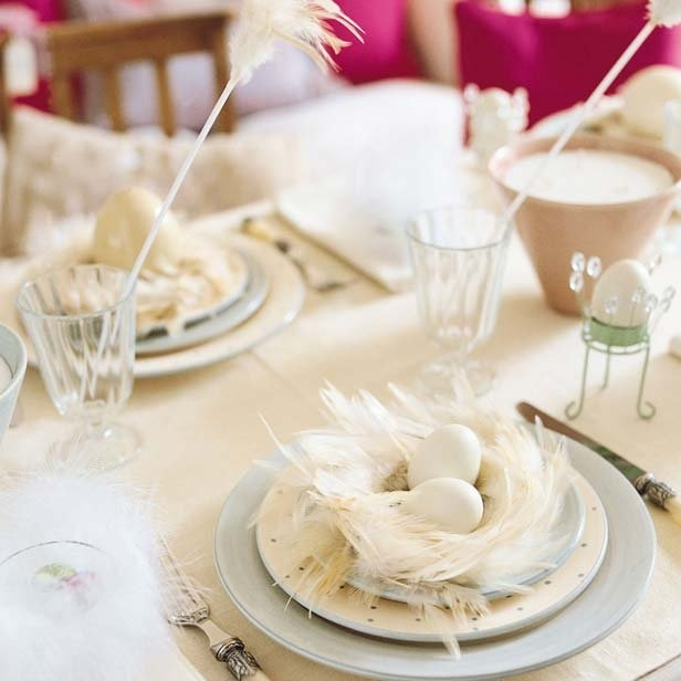 All white Easter table  #easter #decorations #ideas