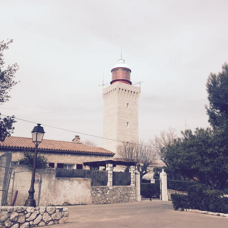 Le phare de la Garoupe, au cap d'Antibes.