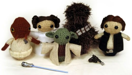 List of free Star Wars crochet patterns. Cute yoda beanie, too.