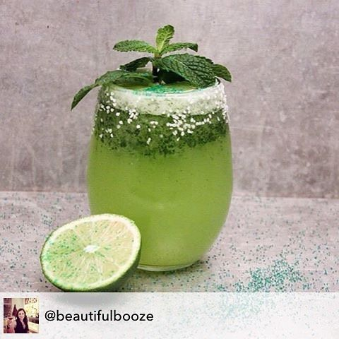 Repost from @beautifulbooze using @RepostRegramApp - Day 7 of Margarita Week is the Seahawks Margarita in honor of the game today! The recipe link is my profile @beautifulbooze!  #MargaritaWeek #seahawks #seattle #SEAvsCar #nflplayoffs #football #booze #tequila #panthers #margarita #sundayfunday #sunday #nfl