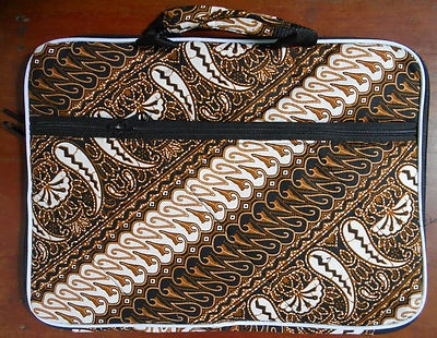"""$23.85  Batik Indonesia soft case for 14"""" Laptop patterned 04  Dimension approximate: Length: 35.6cm(14 inch) Width: 26cm(10,2 inch) Depth : 2cm(0,78 inch)  material : cotton and polyester"""